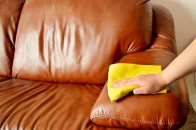 Cum-sa-curatam-scaunele-din-piele