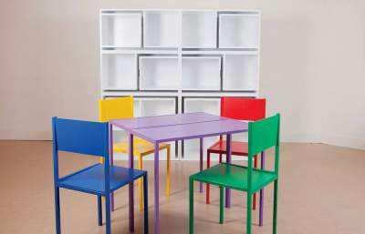 Biblioteca-cu-masa-si-scaune-2