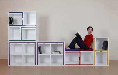 Biblioteca-cu-masa-si-scaune