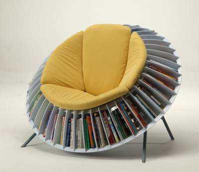 Scaune-mini-biblioteca-galben
