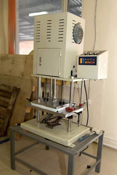 Fabrica-de-scaune-laborator-testare-accesorii-scaune
