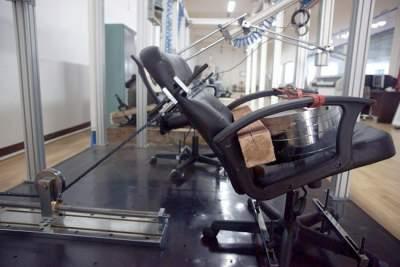 Fabrica-de-scaune-laborator-testare-rezistenta