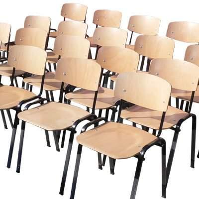 Scaune-scolare-din-lemn-cadru-metalic