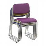 scaun de conferinta elegant fabricat dintr-un cadru metalic cromat
