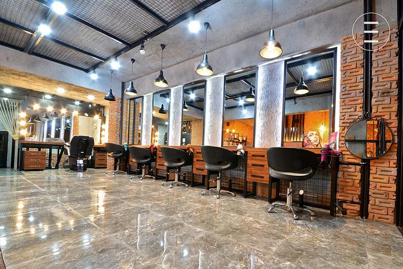 scaune-de-coafor-profesionale-si-rezistente-pentru-saloane-moderne-interior