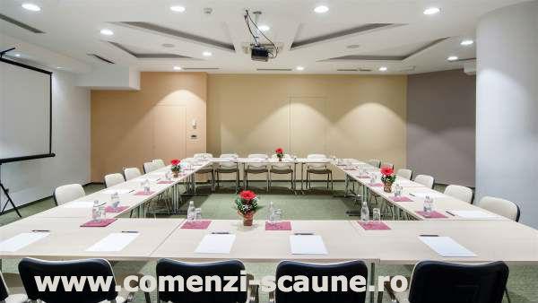 Scaune-pentru-sala-de-conferinta-si-evenimente-21-scaune