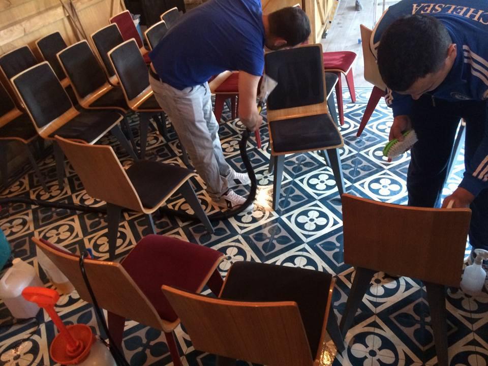 spalare-scaune-si-canapele-curatenie-mobilier-4