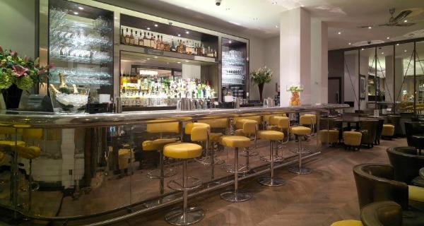 Scaune-pentru-bar-si-cafenele