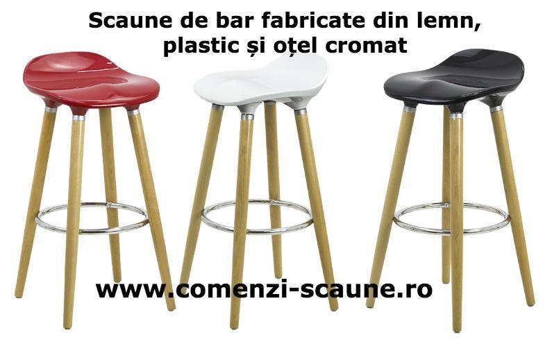 Scaune de bar fabricate din lemn, plastic și oțel cromat